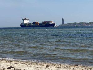Sonderborg Containerschiff in der Kieler Förde