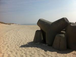 Tetrapoden in Hörnum auf Sylt - Wellenbrecher am Nordsee Sandstrand