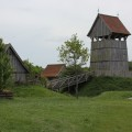 Turmhügelburg Lütjenburg - Turm, Brücke, Burggraben und weitere Gebäude