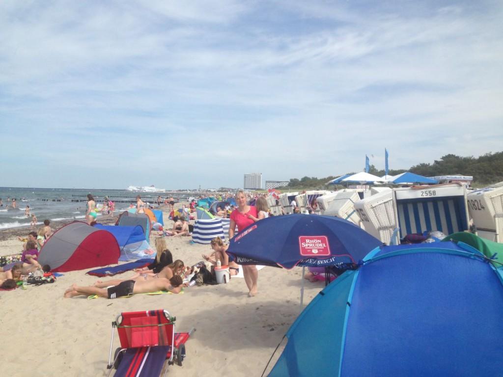 Warnemünde Strand im Sommer