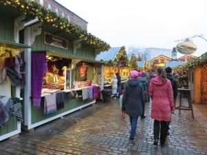 Weihnachtsdorf Kiel auf dem Rathausplatz