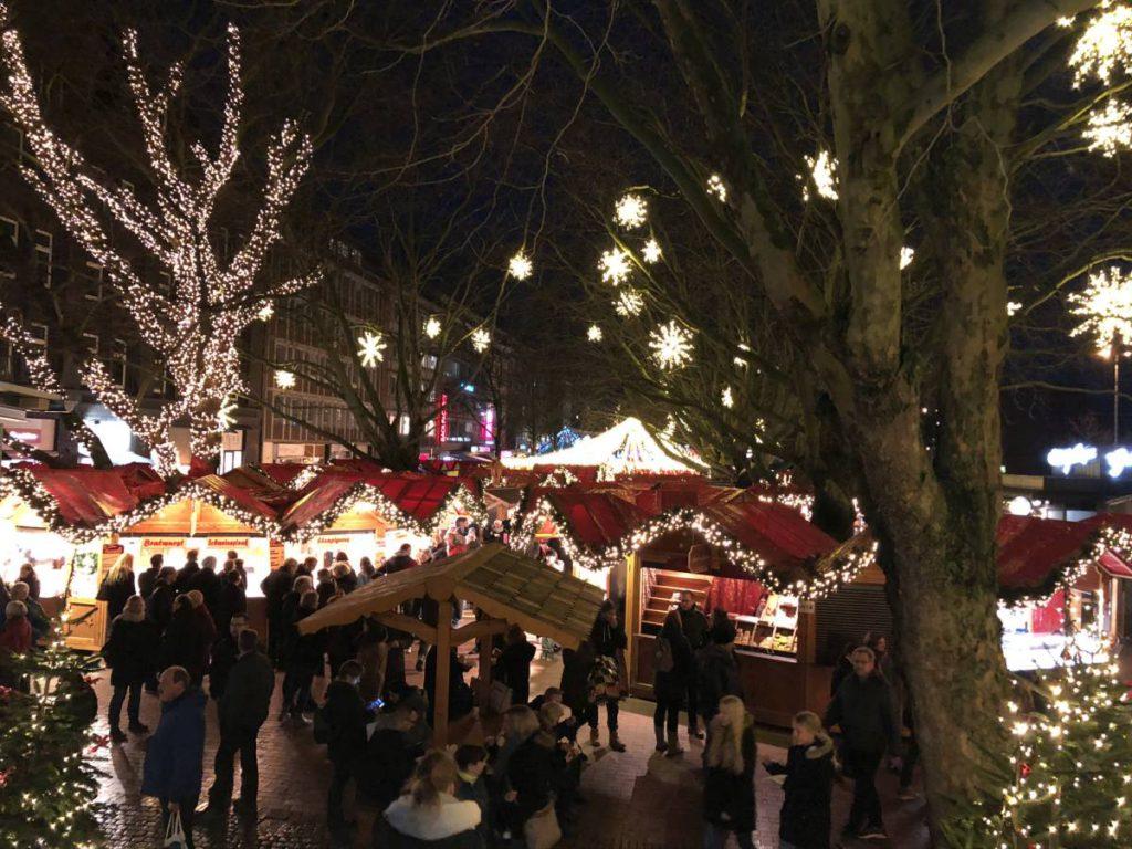 Weihnachtsmarkt Kiel 2019 auf dem Holstenplatz